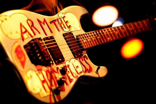 Tom Morello - Arm the Homeless